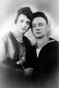 0091-Joseph P Boyl & Naomi Boyl (Devorsef )-Probably Just Married in New York NY- About 1918